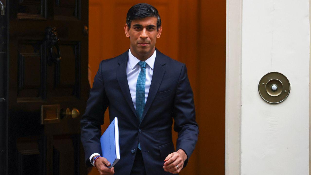 El ministro de Economía, Rishi Sunak, a su salida de Downing Street