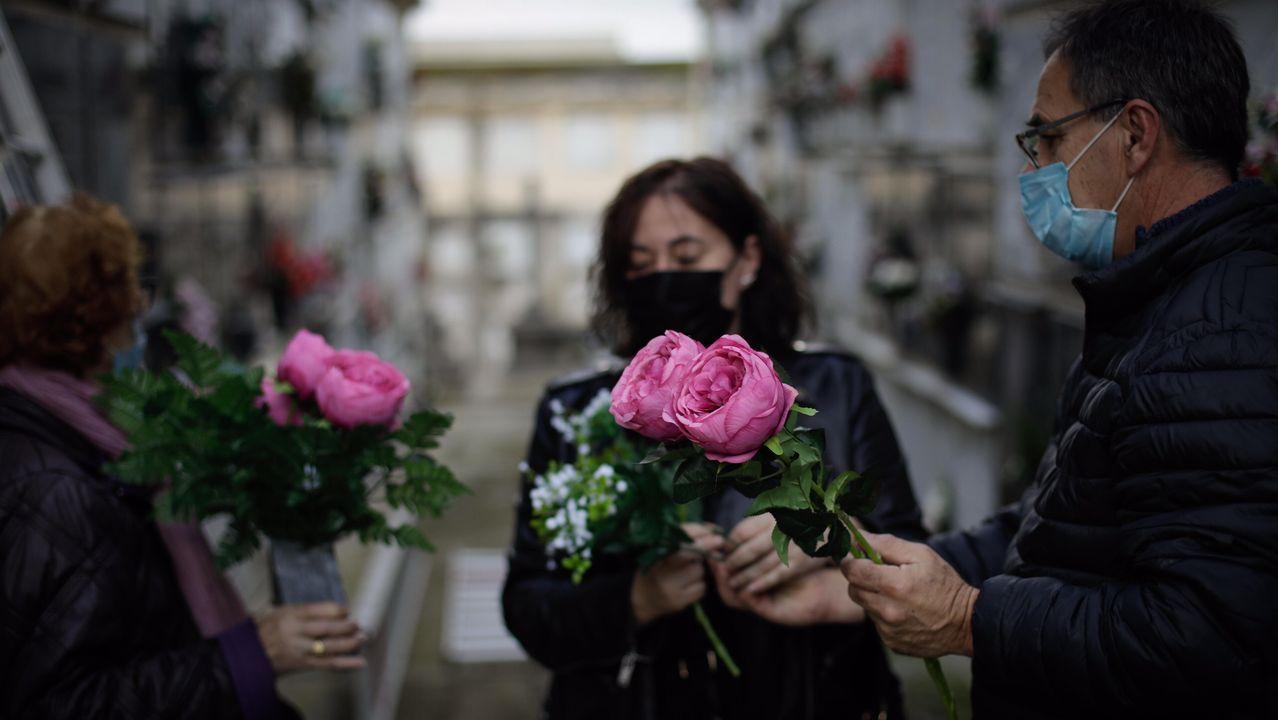Los cementerios de A Coruña se preparan para el Día de Difuntos