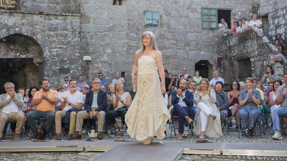 Vimianzo conmemora 25 años de artesanía en vivo en el castillo: ¡mira el álbum!.Donald Sutherland (derecha) junto a su hijo Kiefer Sutherland en un fotograma del film «Forsaken», que protagonizaron juntos en el año 2015