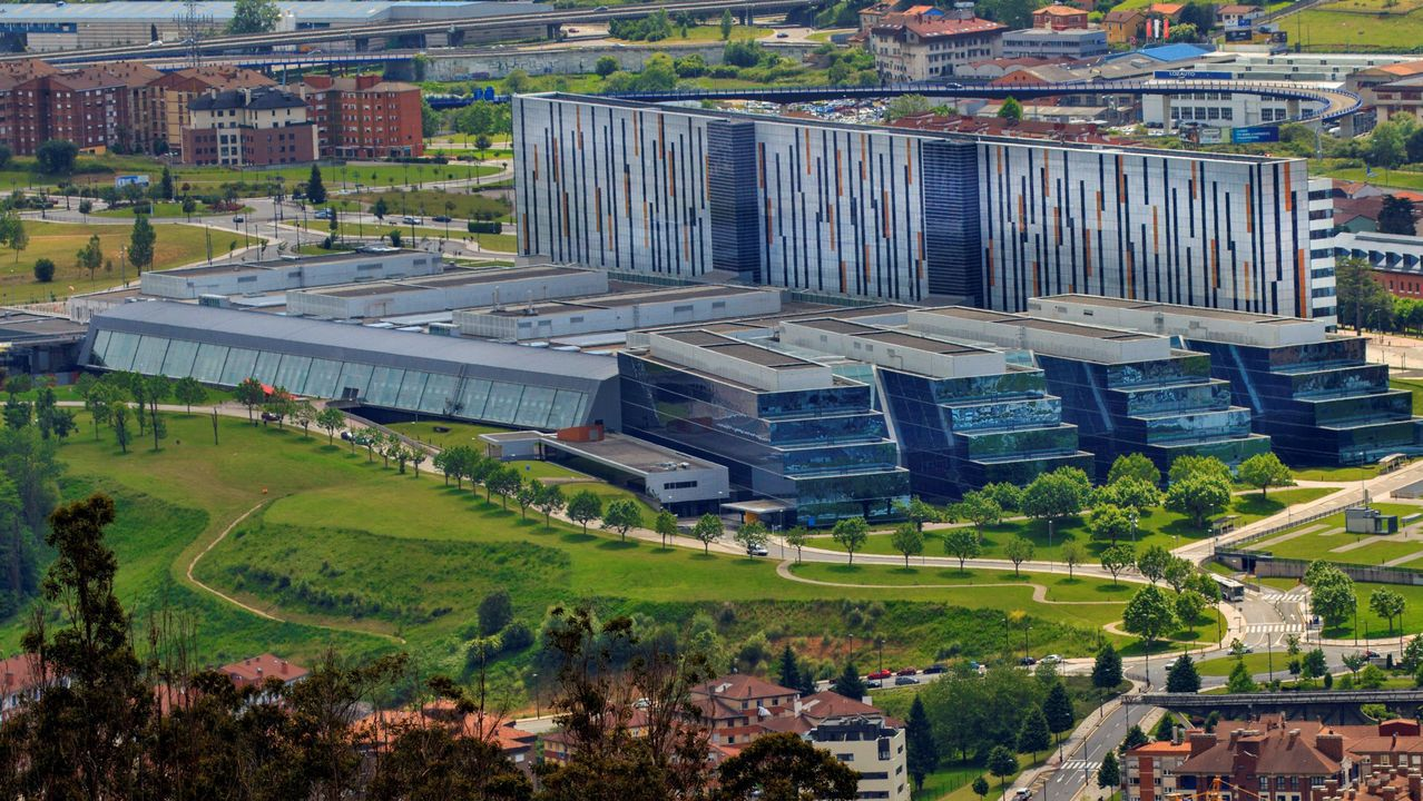 alumnos, estudiantes, universitarios.el hospital HUCA de Oviedo