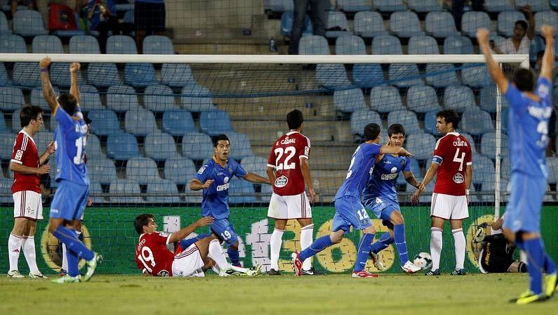 Jugadores del Getafe celebran un gol al Celta en su campo