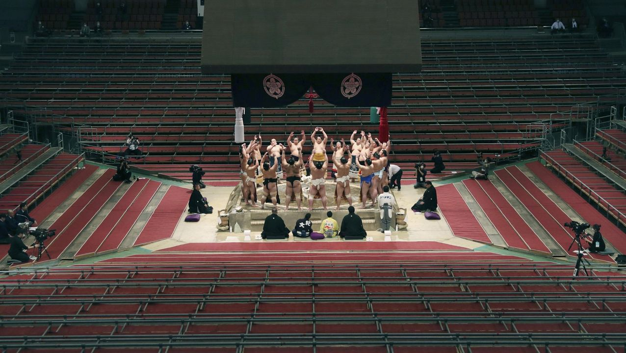 Torneo de sumo en Osaka.