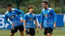De Vicente, junto a Soriano y Miku, durante un entrenamiento del Deportivo