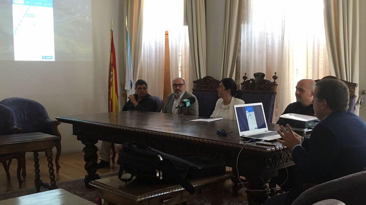Ruidosa protesta en el homenaje a Fraga en Vilalba en defensa del colegio de As Pontes
