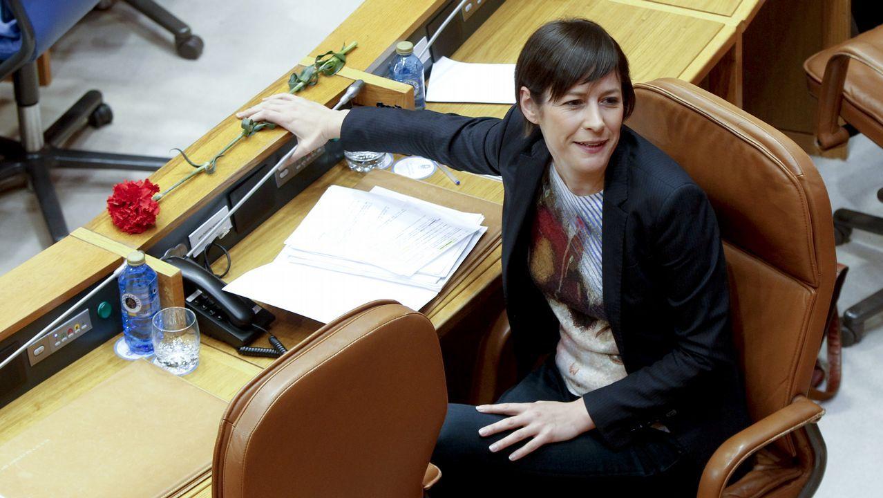 Feijoo se resiste a revelar su futuro y se remite a la sesión del día 20 en el Parlamento de Galicia.Ana Pontón, en el Parlamento