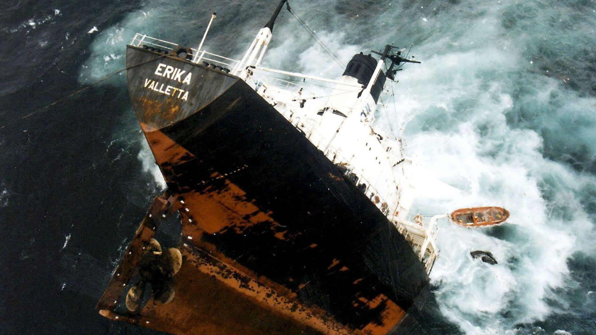 El caso del Prestige es muy similar al ocurrido en 1999 con el Erika en las costas francesas