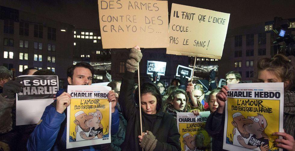 Intervención de las fuerzas policiales en Francia.Miles de personas se concentraron en ciudades de toda Europa, como Berlín, Madrid, Londres o Bruselas (en la foto).