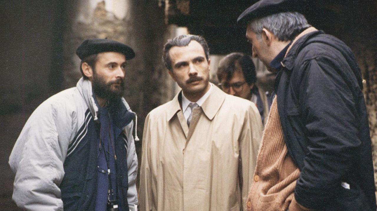 Chano Piñeiro, á esquerda, con Miguel Insua e Roberto Vilda Bolaño na rodaxe de «Sempre Xonxa»