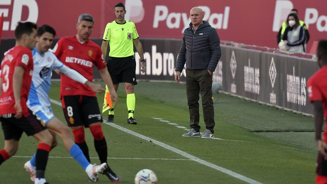 Sergi Tejera se lamenta de una ocasión fallada ante la UD Logroñés