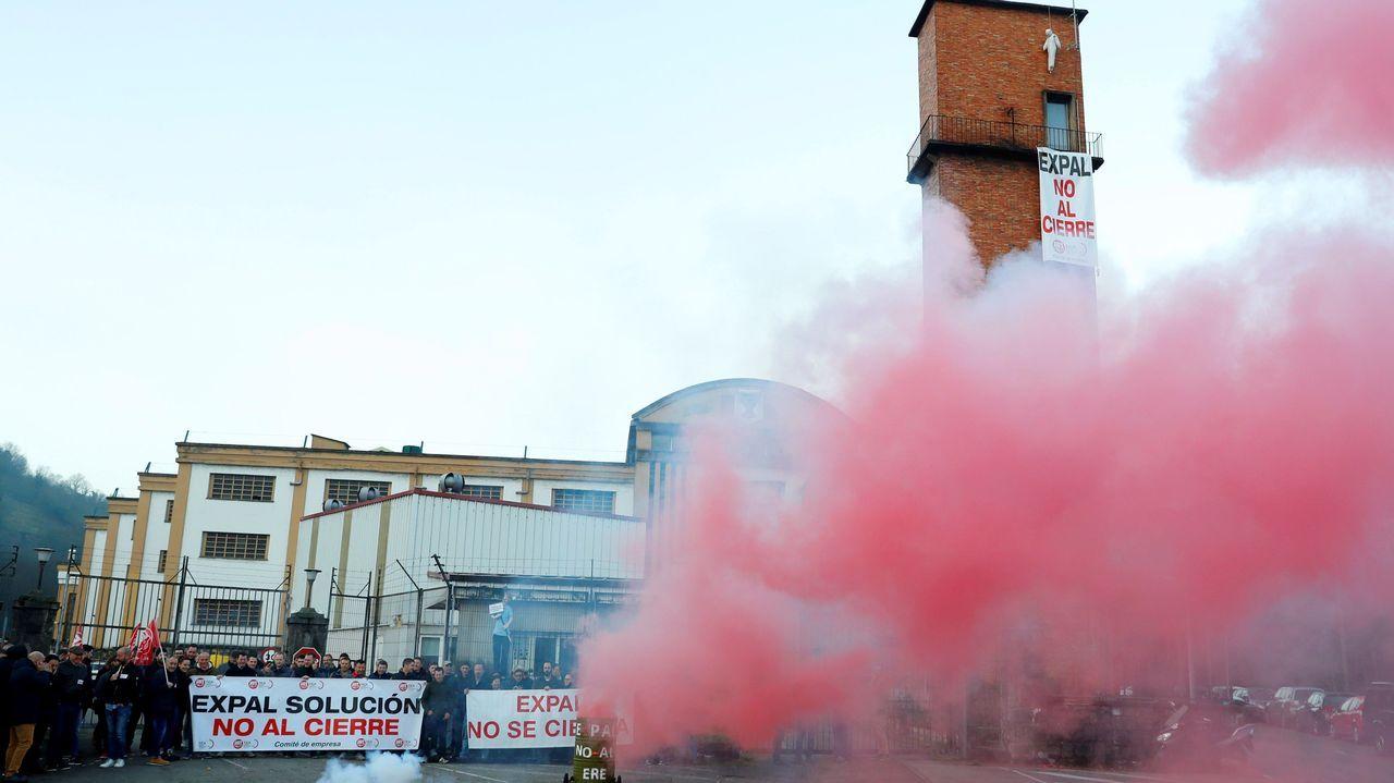 Fruta.El medio centenar de trabajadores de la planta de Expal en Trubia han secundado este lunes la primera de las dos jornadas de huelga convocadas por el comité de empresa para exigir a la dirección del fabricante de munición la retirada del despido colectivo.