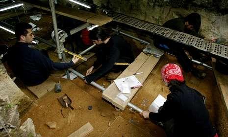 Un aspecto de las excavaciones realizadas en Cova Eirós el mes pasado.