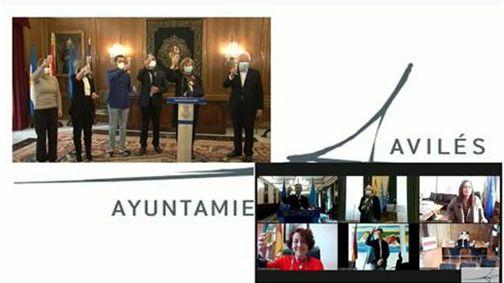 Captura de la retransmisión del brindis de los alcaldes asturianos