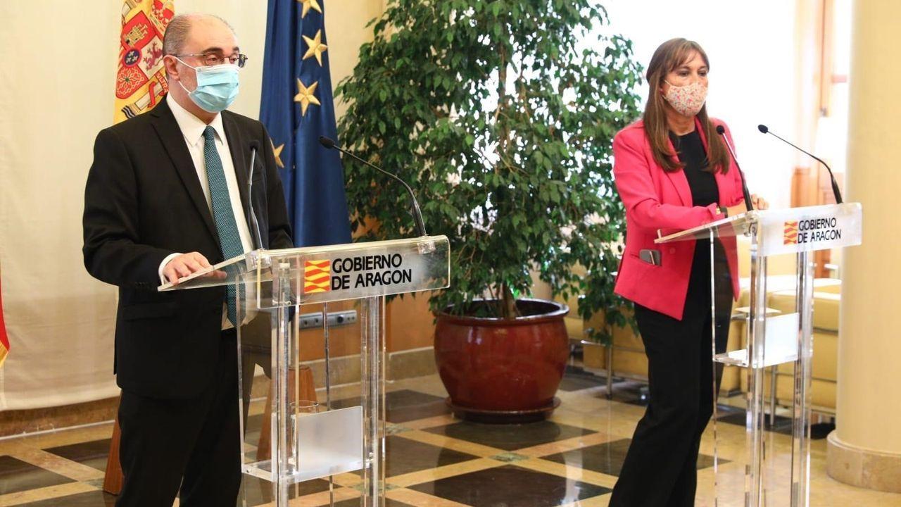 Las nuevas restricciones llegan a A Coruña.El presidente de Aragón, Javier Lambán, y la consejera de Sanidad, Silvia Ripolles, presentaron las medidas