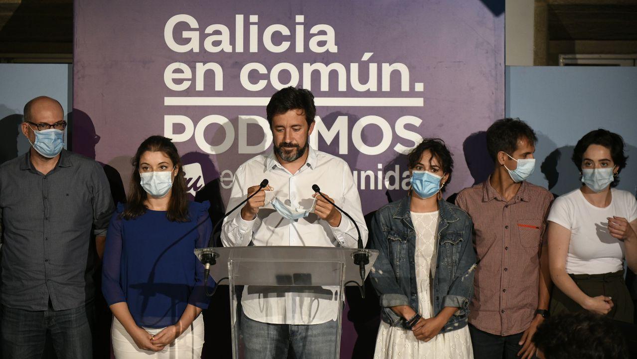 Gonzalo Caballero responde a las preguntas de los lectores de La Voz de Galicia.Imagen de la noche electoral del 12 julio, con Gómez-Reino valorando los resultados logrados por Galicia en Común-Podemos-Anova Mareas en las elecciones autonómicas