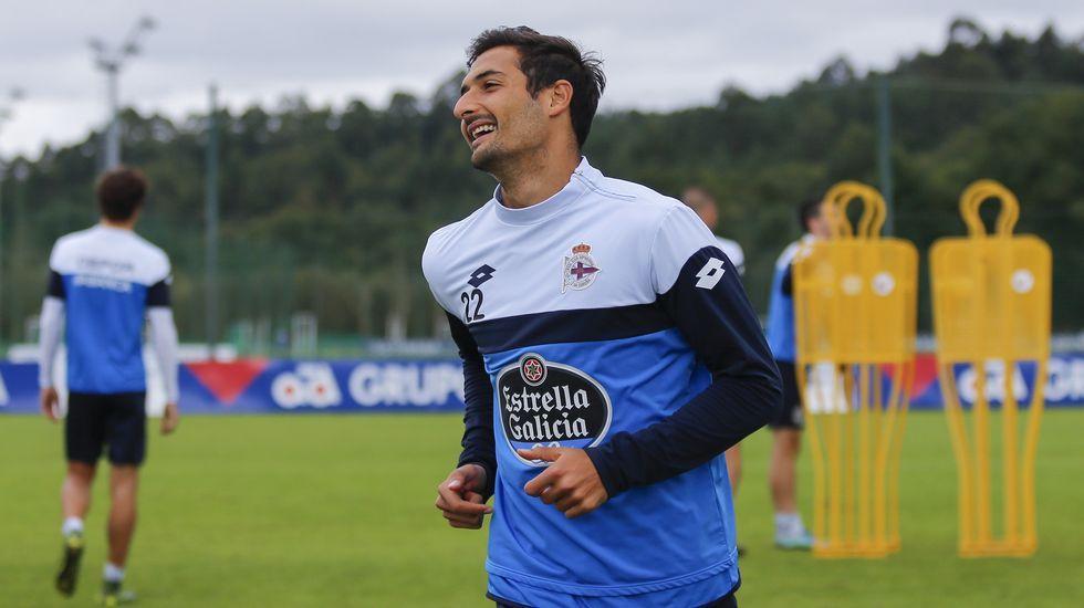 El Llagostera-Deportivo, en fotos.Jonathan, en el entrenamiento de hoy