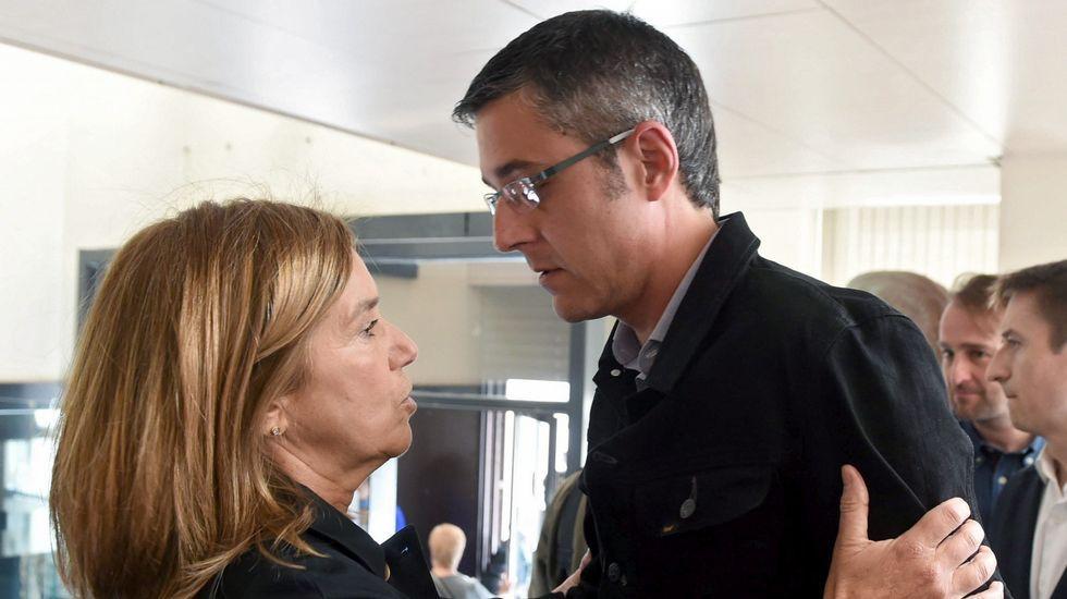 La exministra Ana Mato y el diputado socialista Eduardo Madina.