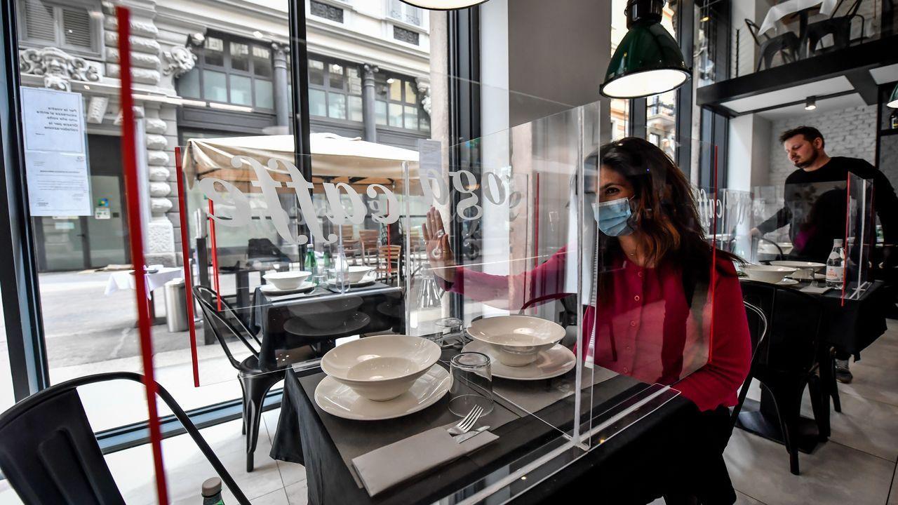 Los paneles plásticos también han empezado a verse en los establecimientos italianos