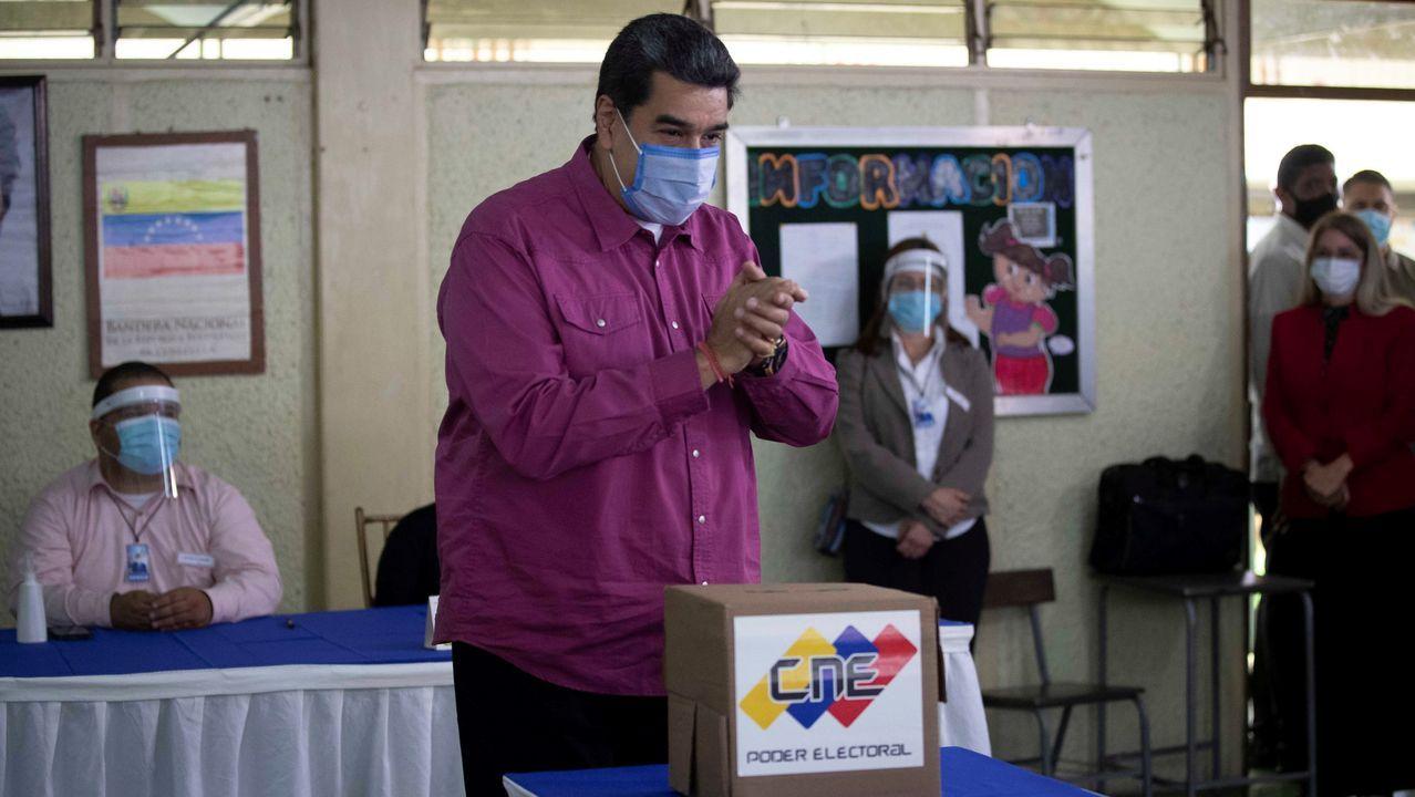 Nicolás Maduro, en el momento de votar
