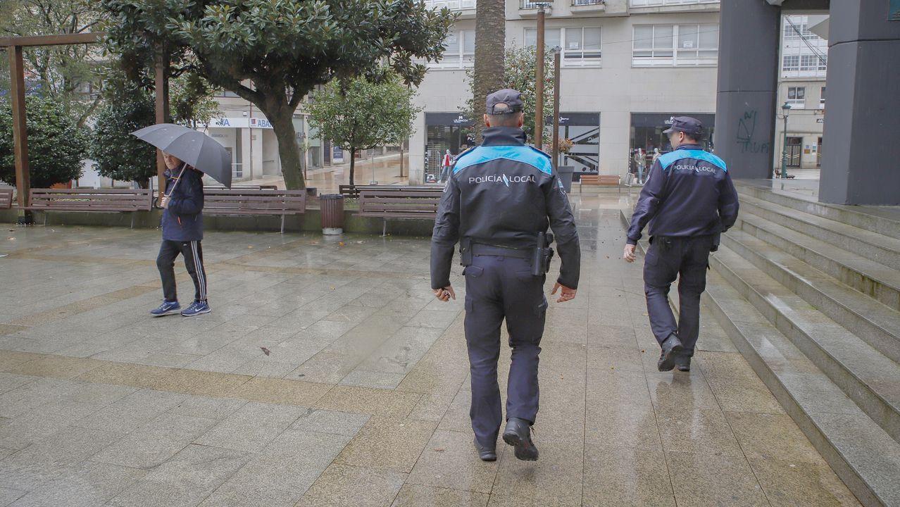 Agentes de la Policía Local, por Ribeira