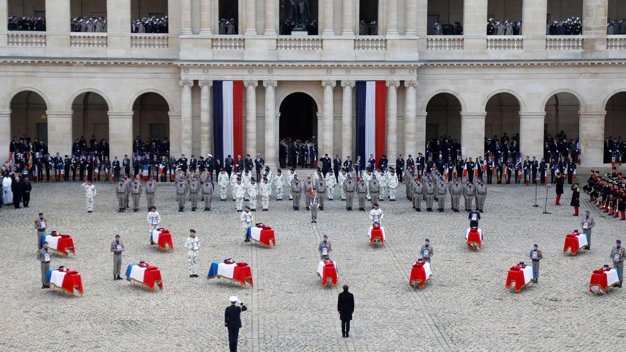 El homenaje a los soldados tuvo lugar en una ceremonia solemne en los Inválidos de París