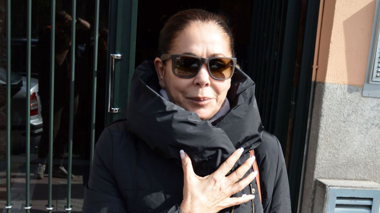La enésima reconciliación de Chabelita y Kiko Rivera.Portada de la revista «Hola»
