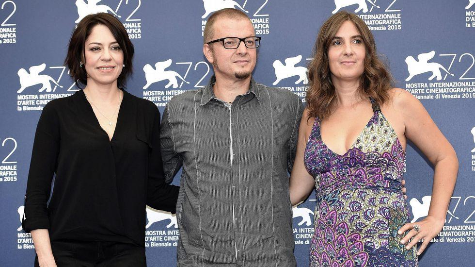 El director uruguayo Rodrigo Pla, la guionista Laura Santullo y la actriz Jana Raluy, en la presentación de «Un monstruo de mil cabezas».