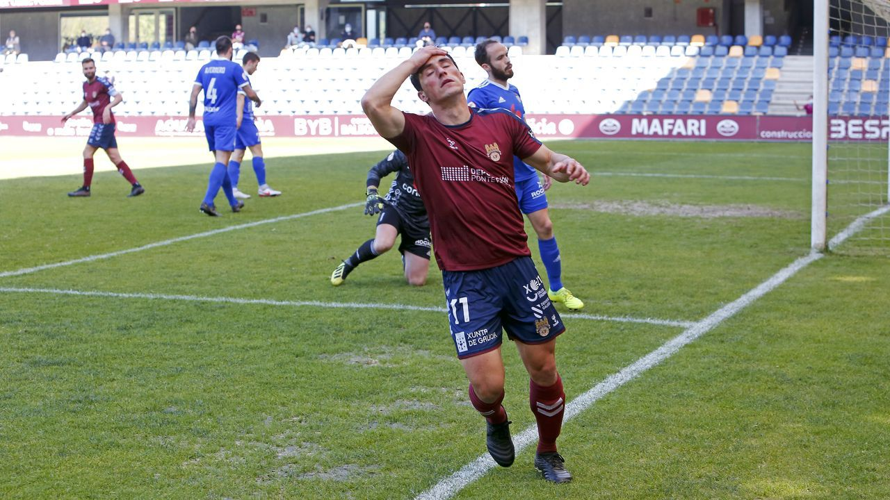 Leschuk Bueno Borja Sanchez Girona Real Oviedo Montilivi.Pepe Mel en sala de prensa