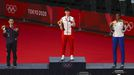 La medalla de oro Chen Yufei, de China, la plata Tai Tzu-Ying, de Taiwan, y el bronce P.V. Sindhu, de la India, en el podio del torneo de bádminton