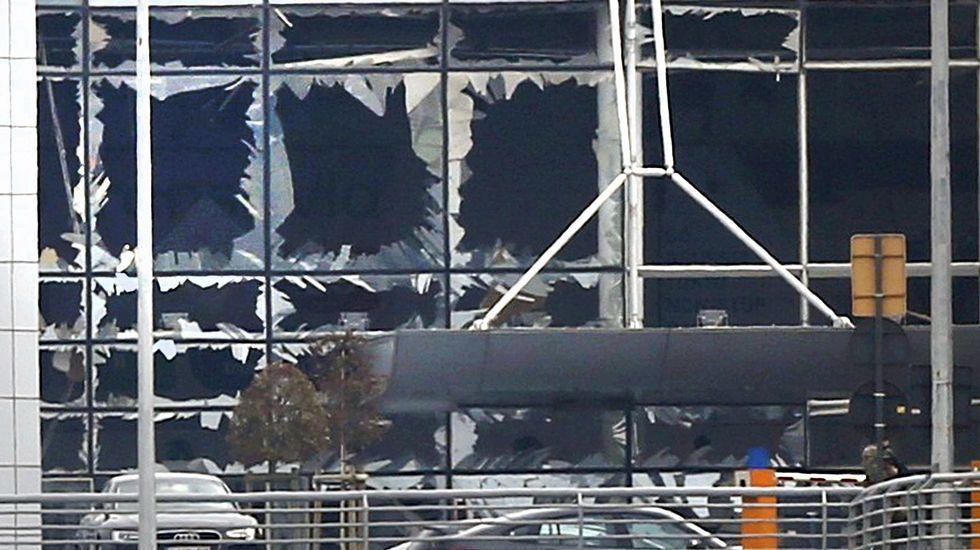 Daños causados en las instalaciones del aeropuerto por las explosiones en el aeropuerto de Zaventem