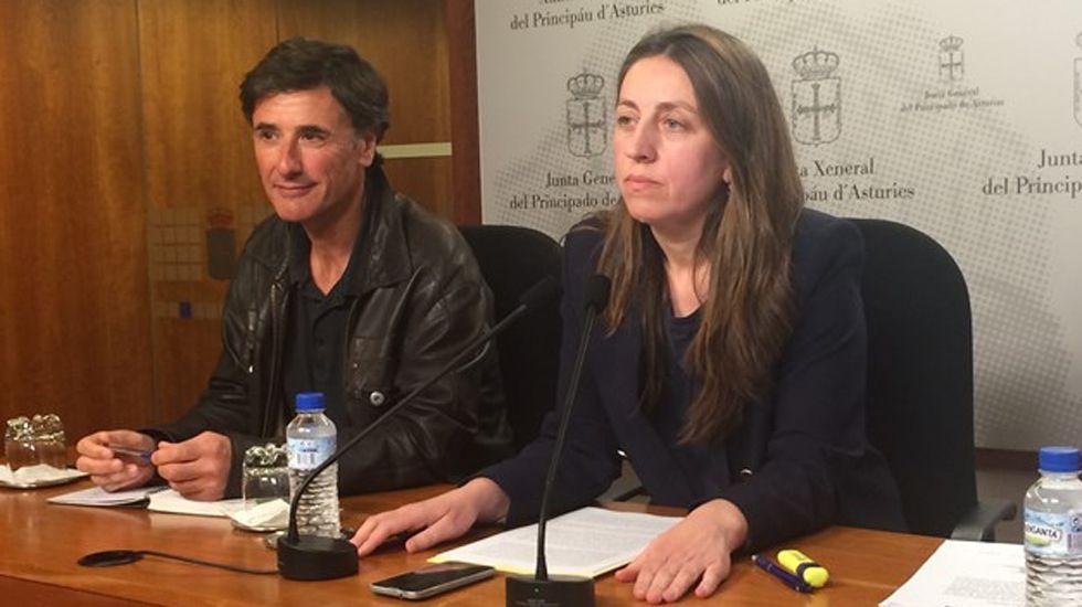Concentración de los trabajadores del hotel de La Reconquista.Enrique López y Lorena Gil