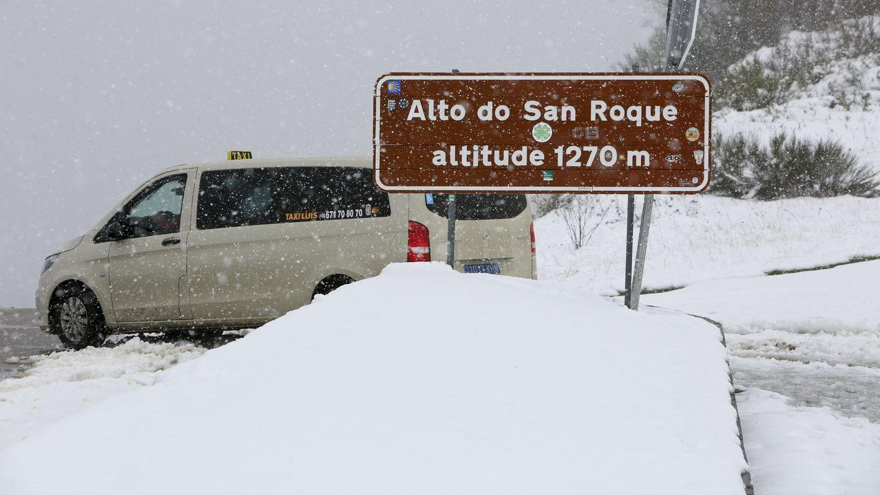 La montaña de Lugo se tiñe de blanco