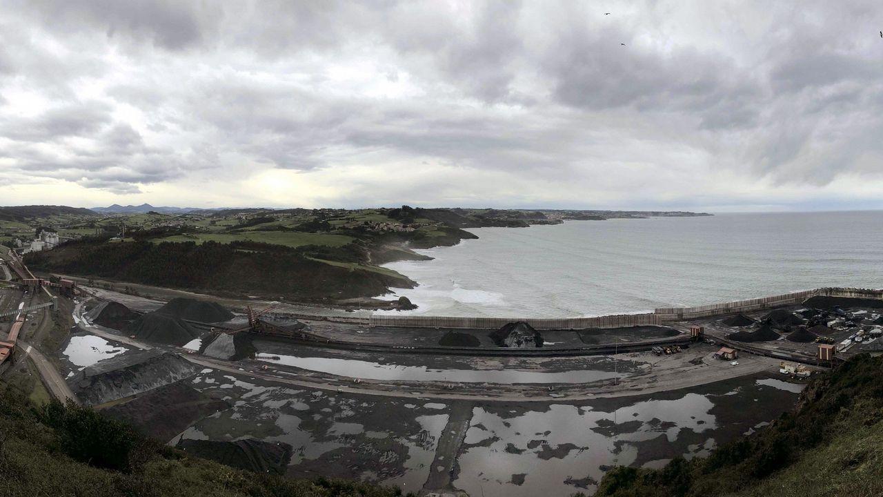Obras en la variante de Pajares.Panorámica tomada desde la Campa de Torres del Parque de Carbones y de la central térmica de Aboño, en las proximidades del puerto de El Musel de Gijón.