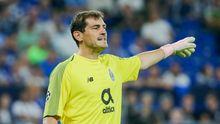 Iker Casillas durante un partido con el FC Porto