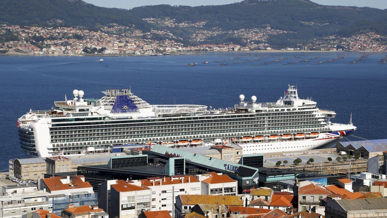 Botado en Suecia en 1951, fue mercante frigorífico, barco de contrabando y carguero