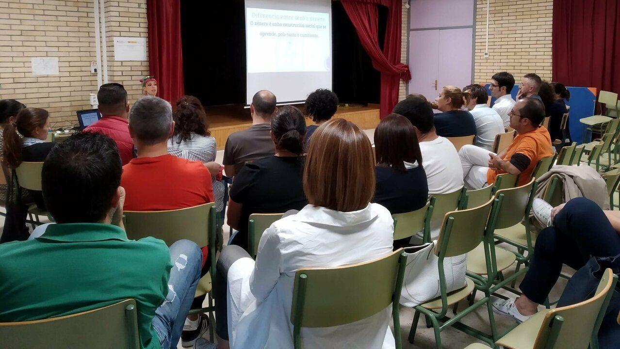 La alcaldesa de Porriño insulta a un concejal en el pleno.Presentación de la San Silvestre 2019 de Oviedo