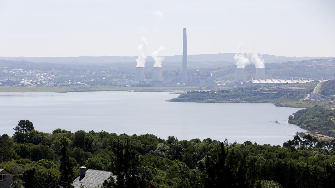 Endesa ha desarrollado iniciativas medioambientales en torno a su central, como convertir la mina en un lago