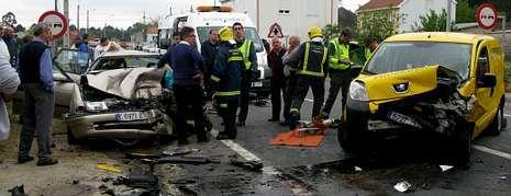 Las imágenes de la última prueba del torneo.Imagen del coche tras la colisión ocurrida en Vimianzo.
