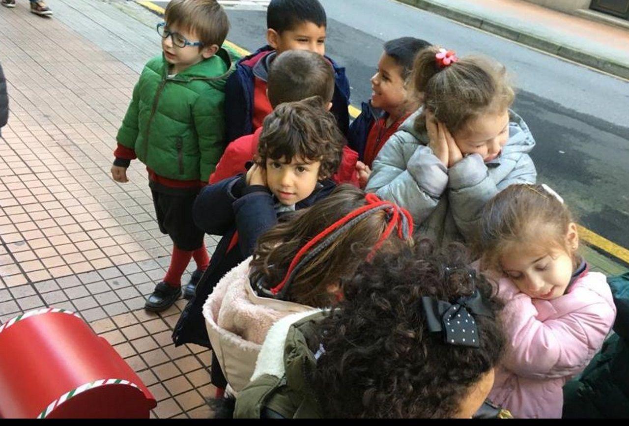 El buzón se llenó con las cartas de los niños del San José