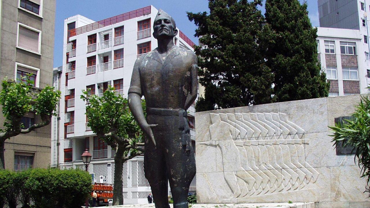 Antigua estatua de Millán Astray en A Coruña