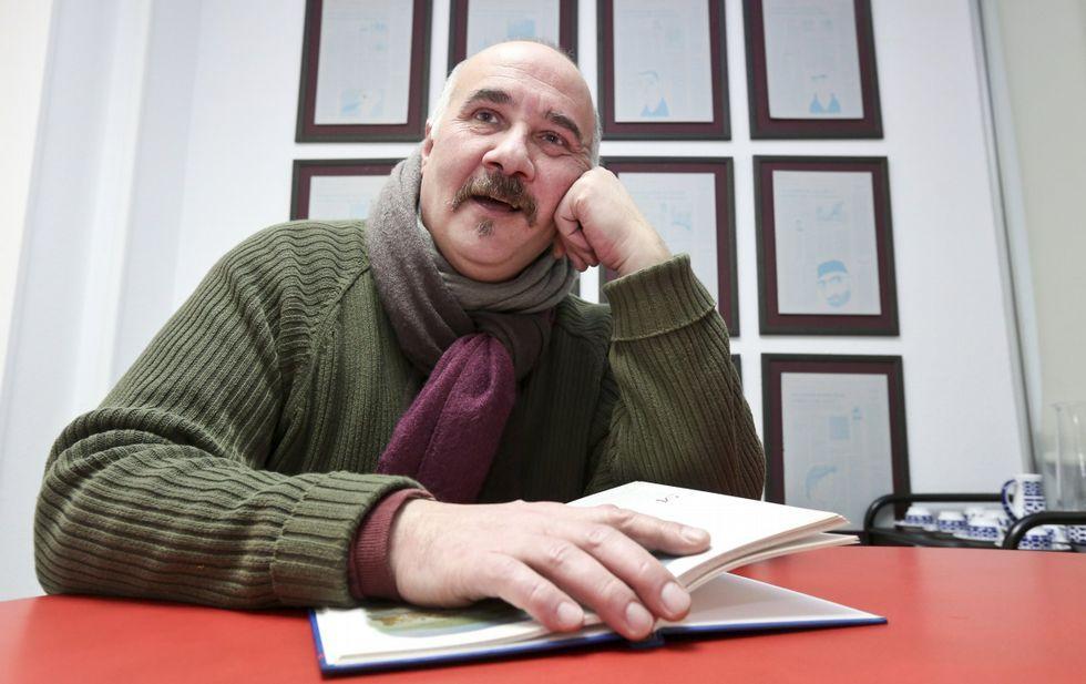 José Campanari es uno de los contadores habituales de la librería Trama de Lugo.