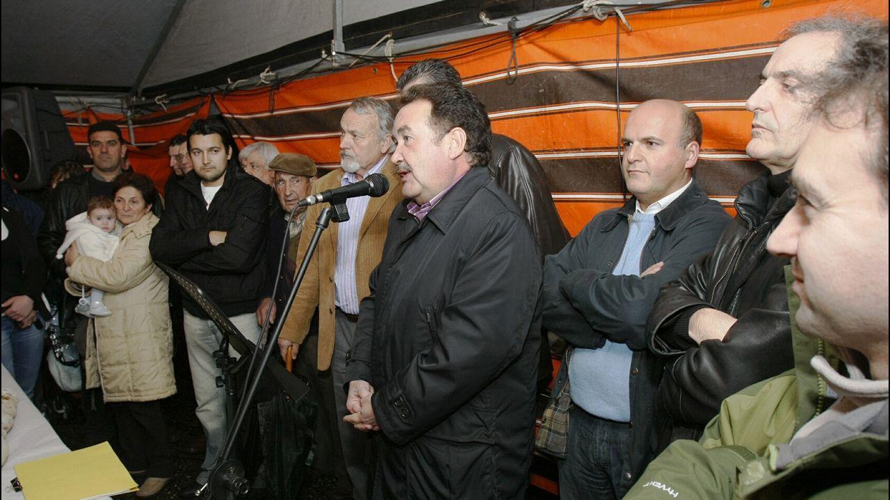 Política. El PP presentaba como cabeza de lista a Luis Carrera Pásaro, que a las pocas semanas dejaban el puesto tras descubrirse que tenía cuentas en paraísos fiscales.