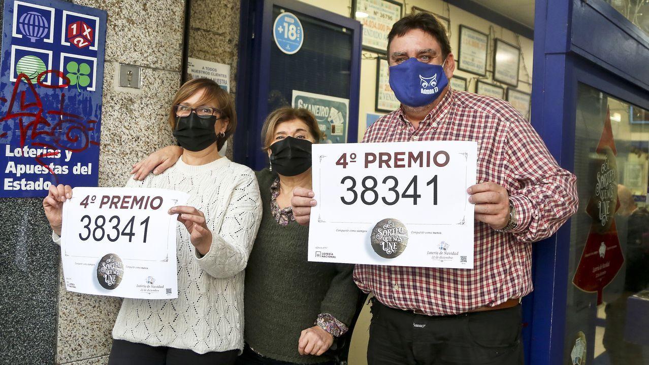 El lotero Vicente López, de la administración de Urzaiz, repartió varios millones de euros con un cuarto premio