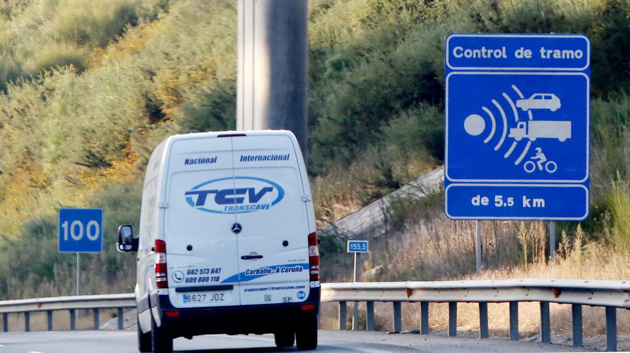 Baja un 30% el precio de los peajes de las radiales madrileñas.Las autopistas gallegas son las únicas que no tienen tarifas horarias, ni bonificaciones a usuarios frecuentes ni rebajas a colectivos