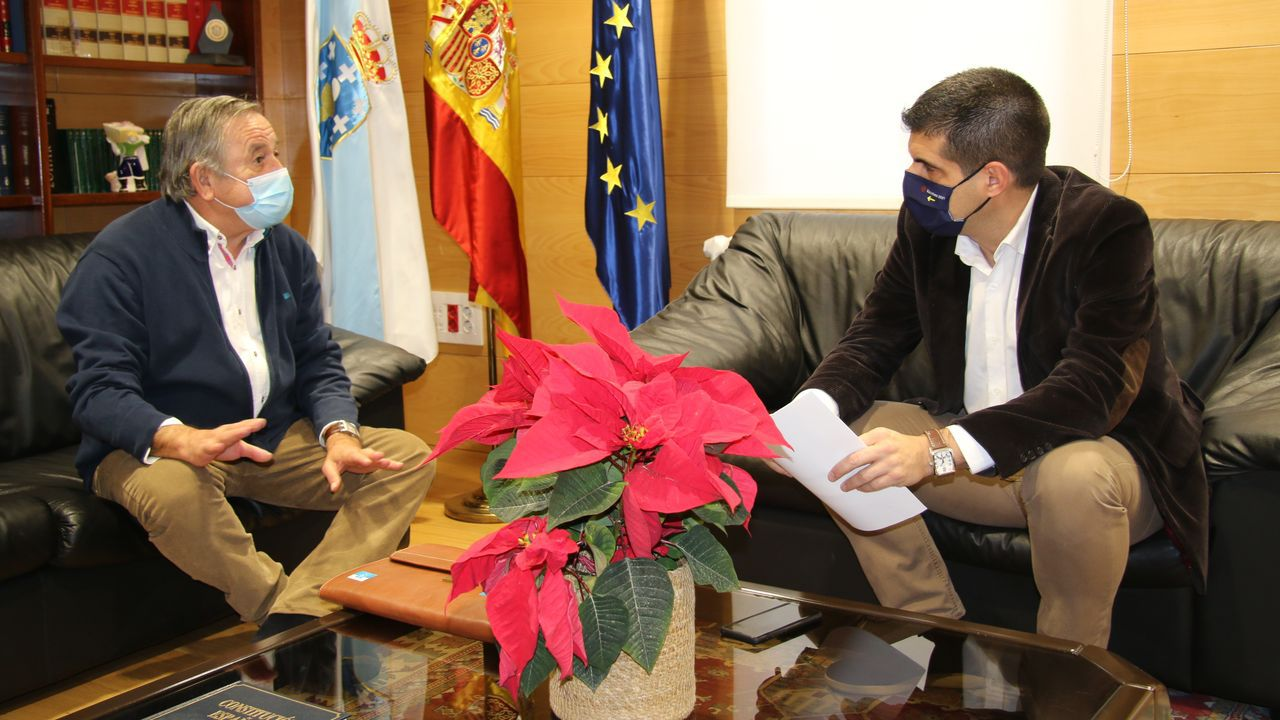 Antonio Rodríguez, alcalde de Montederramo, con el delegado de la Xunta, Gabriel Alén