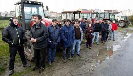 Concentración de productores en el mercado ganadero de Chantada.