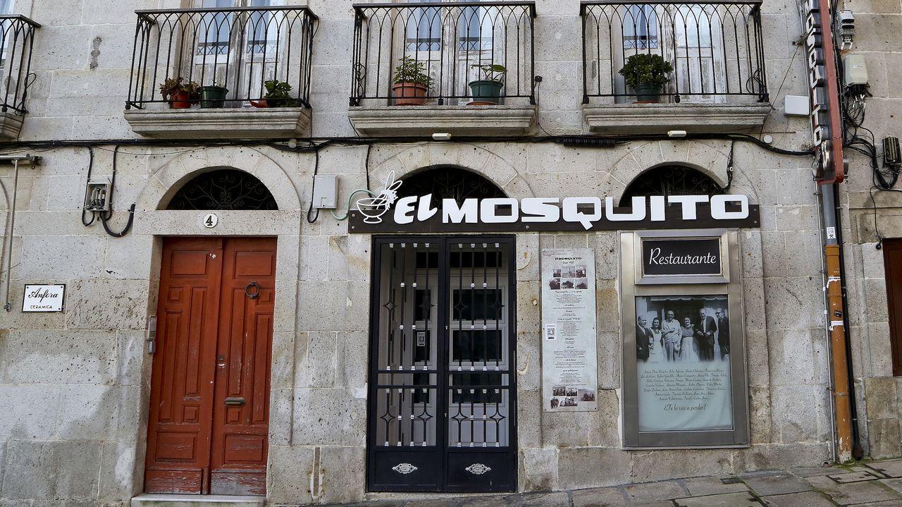 La hostelería protesta de nuevo contra las medidas anticovid.RESTAURANTE EL MOSQUITO, EN LA PRAZA DE A PEDRA