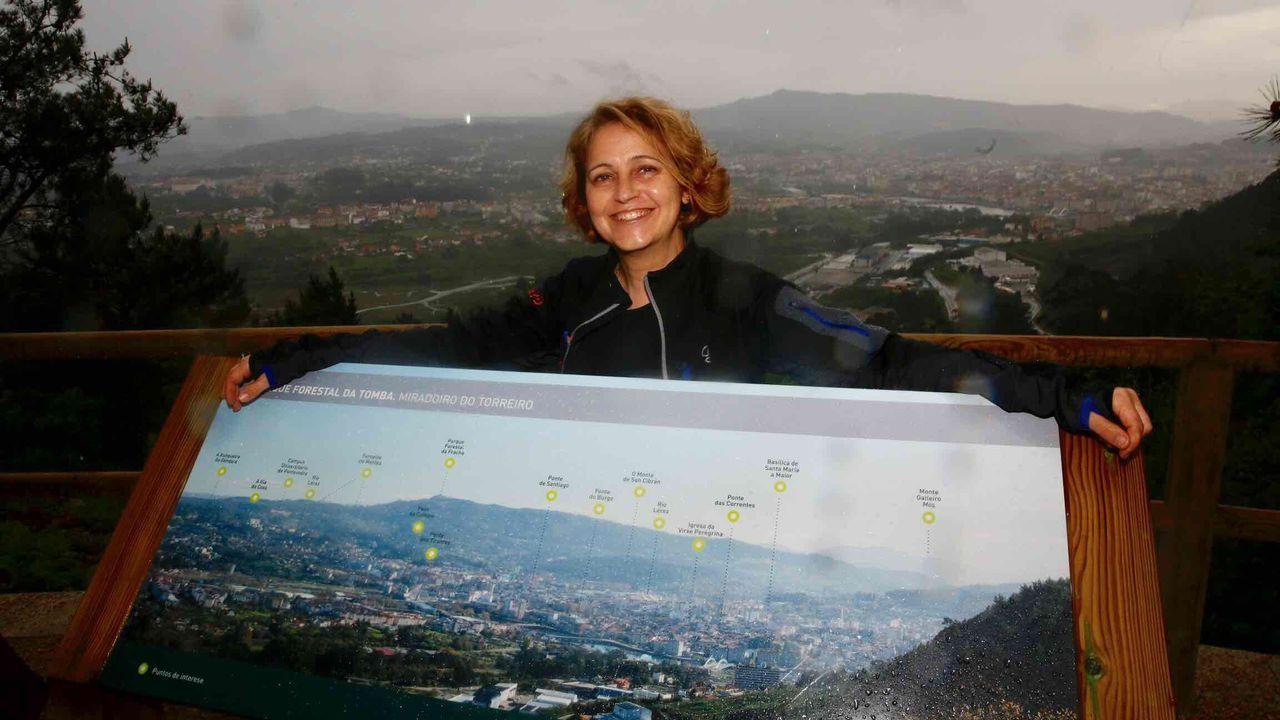 Puesta de largo de una ruta de senderismo por los Penedos de Pasarela y Laxe: las imágenes.Carme Iglesias, presidenta del club de orientación y montañismo Aromon, de Pontevedra