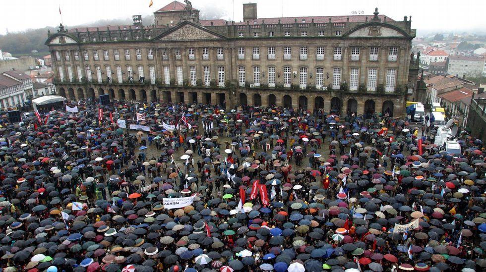 """[UPyD-C's] Manifestación Santiago de Compostela """"si Cataluña tiene concierto económico Galicia también"""" S01D2280"""
