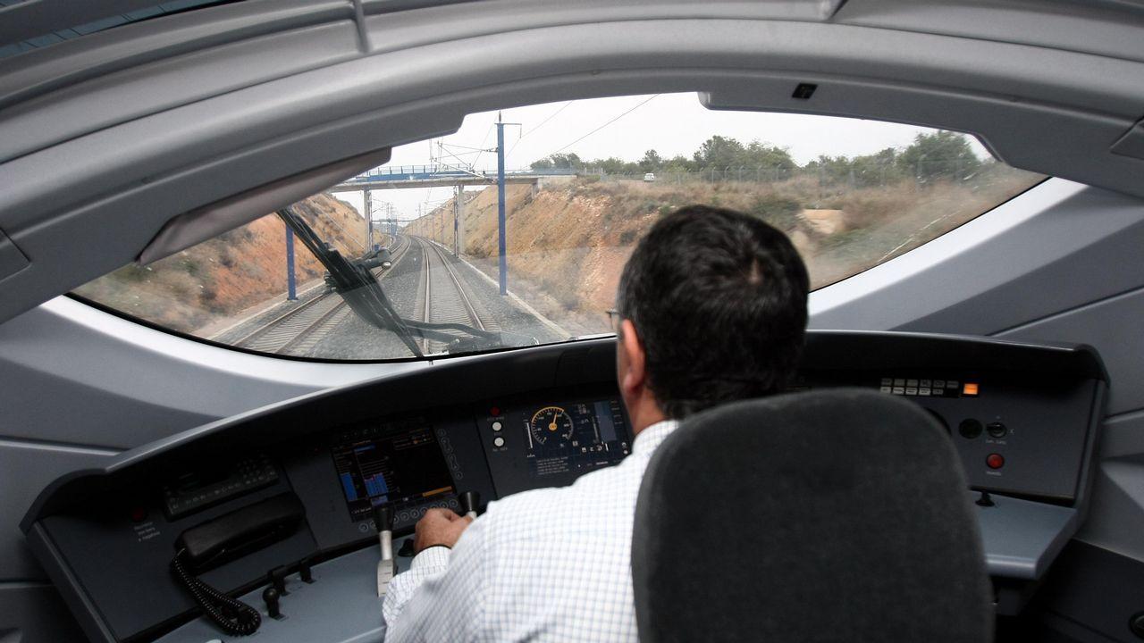 Así fue el momento en el que descarriló el Alvia en Angrois.Un maquinista conduciendo un tren de alta velocidad