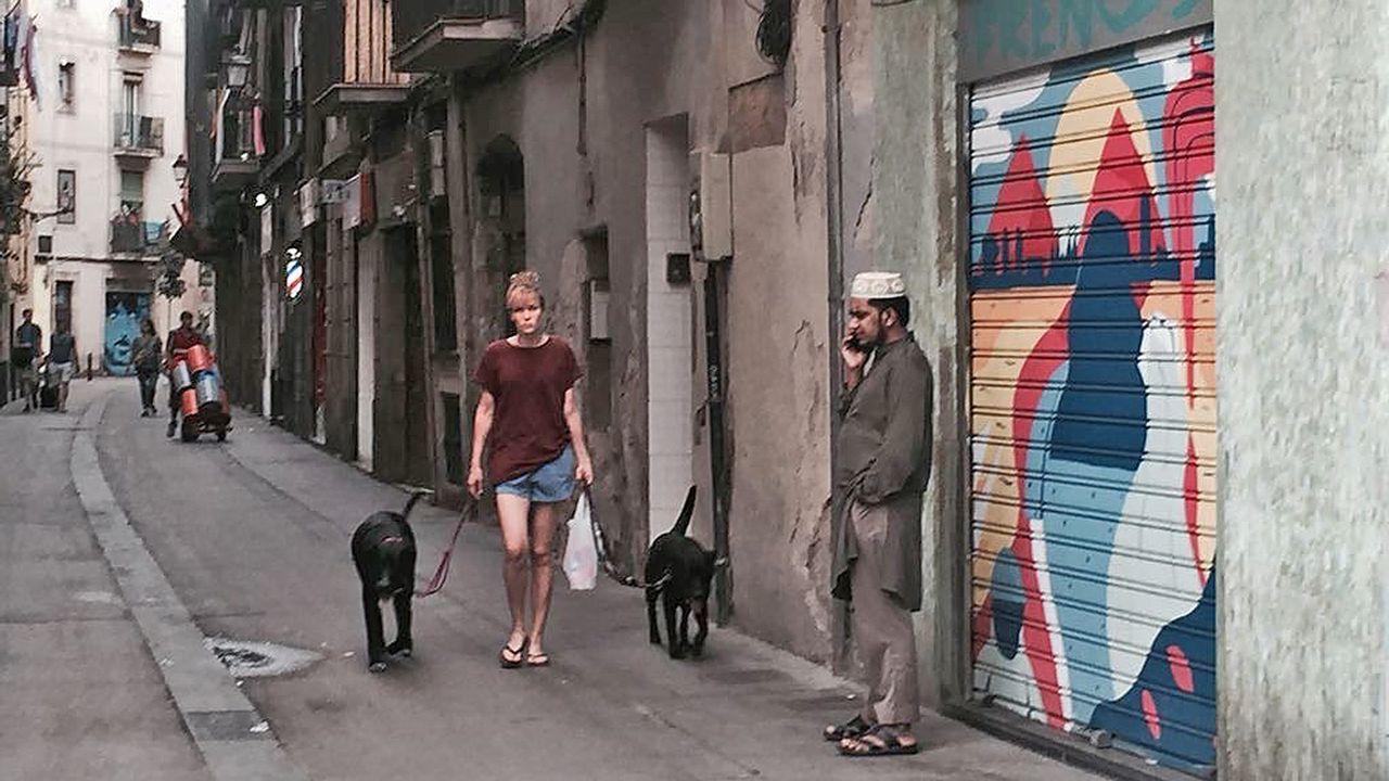 Un legado de terror... al volante.En el Raval, barrio con una numerosa comunidad musulmana, hay menos turistas y menos bullicio del habitual en estas fechas